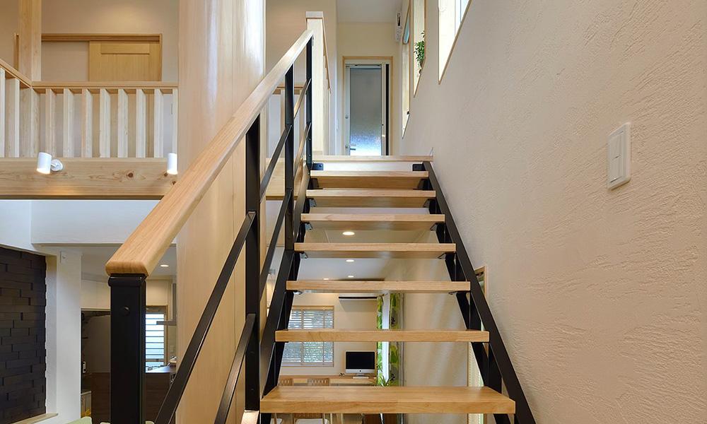 木の家×スチール階段 | KATZDEN ARCHITEC