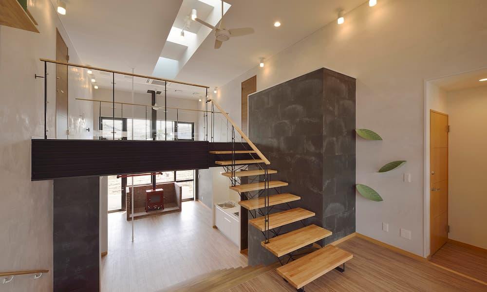 カツデンアーキテック 第二社員寮 シースルー階段 スキップフロア