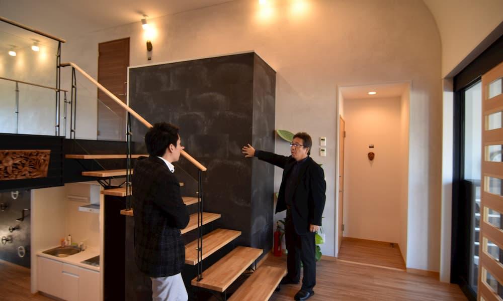 カツデンアーキテック 第二社員寮 インタビュー 設計 シースルー階段