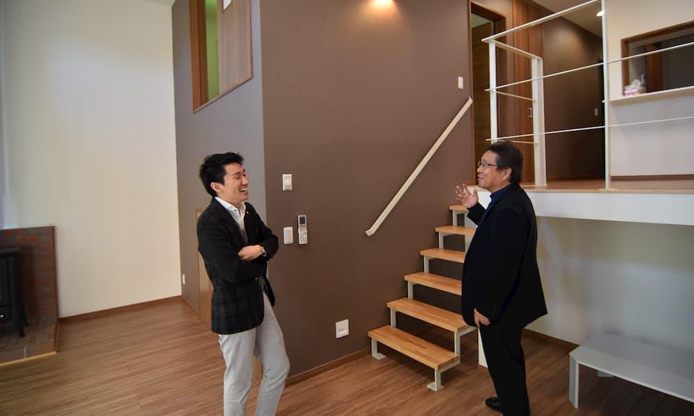 カツデンアーキテック 第二社員寮 インタビュー 設計 スキップフロア シースルー階段