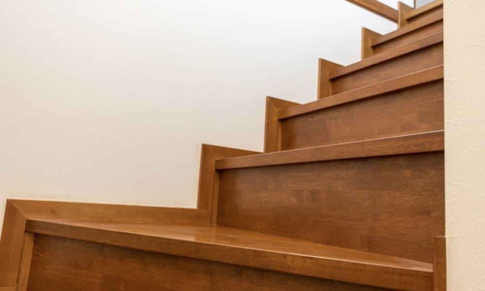階段の種類_素材_木